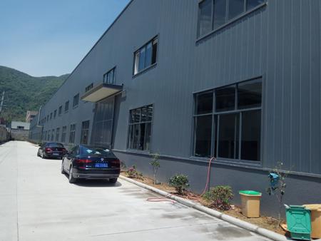 小港通途路旁5亩3000平方厂房出售1450万